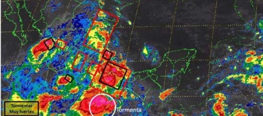 Oaxaca trata de recuperarse de las secuelas de los terremotos ocurridos en septiembre, pero hoy la...