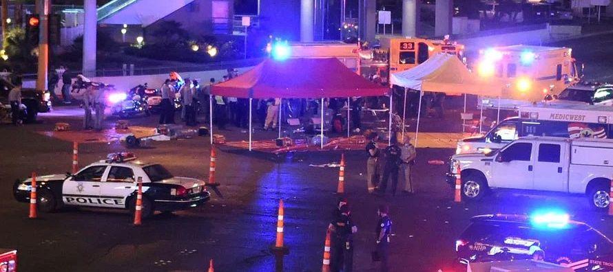 Campos, que trabaja en la seguridad del hotel desde el que Paddock abrió fuego, el Mandalay...