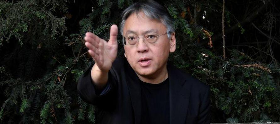 Kazuo Ishiguro, un escritor de nacionalidad británica nacido en Japón autor de...
