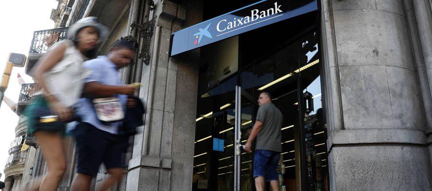 De esta forma, el mayor banco de Cataluña quiere acabar con la inquietud generada entre su...