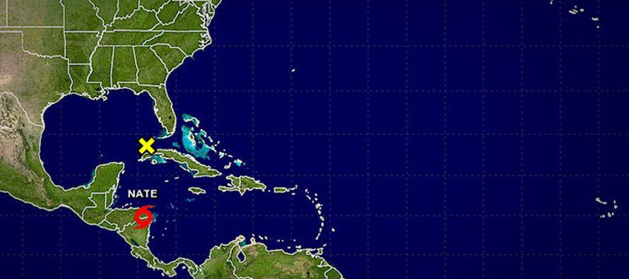 Los últimos pronósticos sitúan el centro de la tormenta al oeste del estado,...