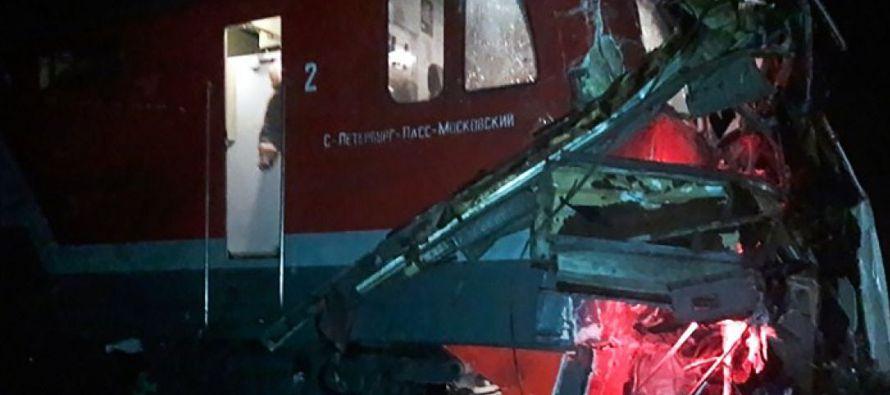 El maquinista del tren, que hacía la ruta San Petersburgo-Nizhni Novgorod, activó el...