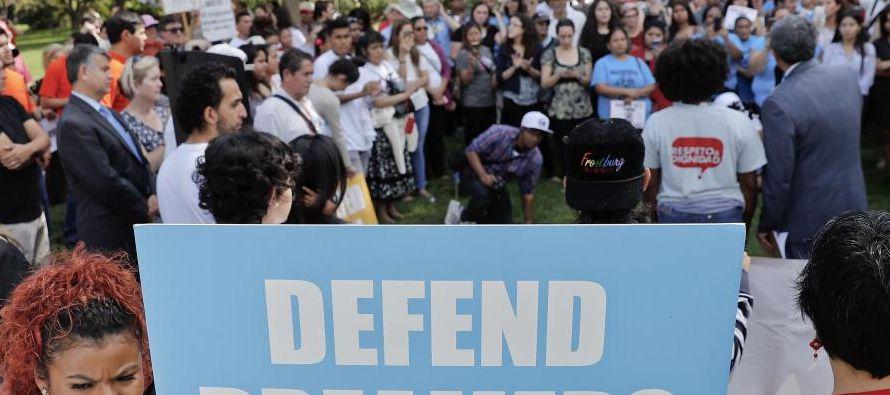 """Al reunirse con el movimiento """"A Vote to Remember"""", Mancera dijo a los..."""