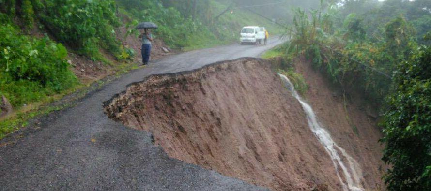 La tormenta tropical Nate se fortaleció rumbo a la Península de Yucatán, en...