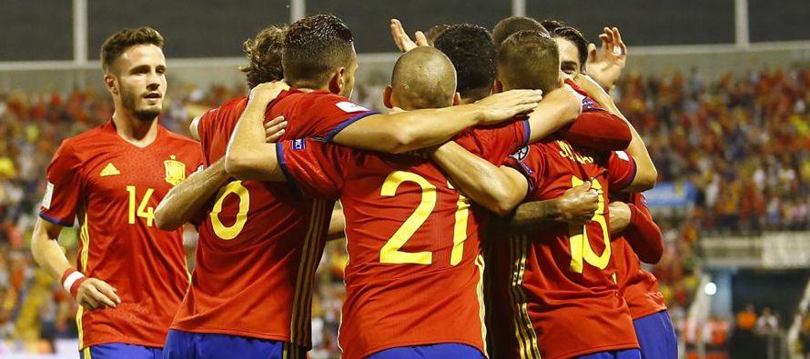 España selló el viernes su clasificación al Mundial de Rusia 2018 al ganar el...
