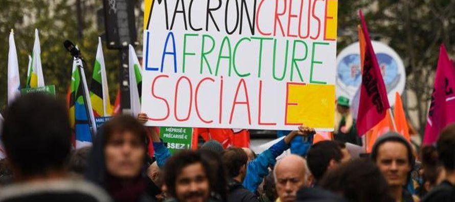 El sector público francés sale hoy a la calle para protestar contra los recortes que...