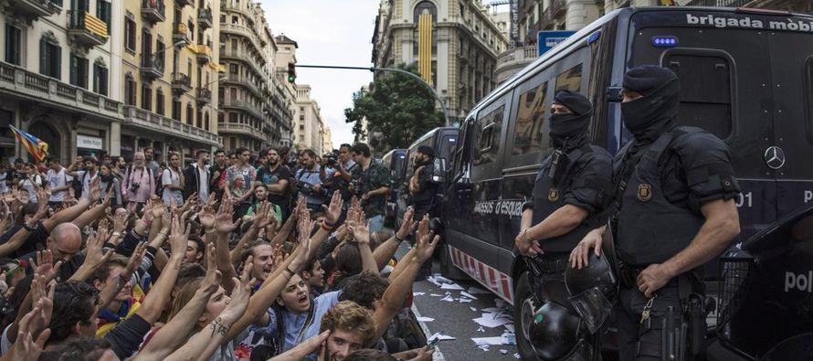 Sin embargo, el precio de las acciones de los bancos que operan en Cataluña se...