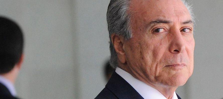 El diputado Bonifacio Andrada, en su condición de instructor de una comisión que...