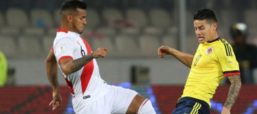 El partido contra Colombia paralizó al país, y los hinchas se reunieron para verlo...