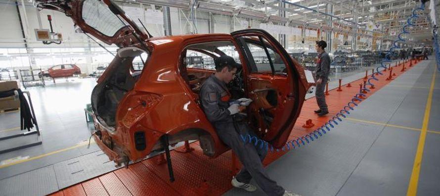 Ambos fabricantes de automóviles están analizando la posibilidad de abrir una planta...