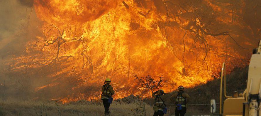 El incendio más grande de todos los que están ardiendo en el norte de California es...