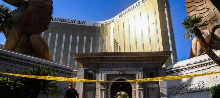 """La demanda indica, entre otras cosas, que el hotel Mandalay Bay fue """"negligente"""" al no..."""