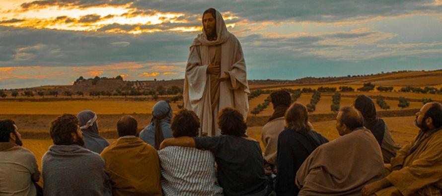 Hoy, el Evangelio es una catequesis de Jesús sobre la oración. Afirma solemnemente...