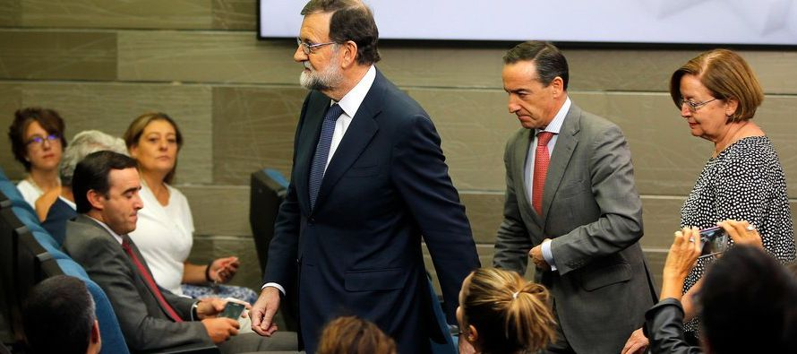 En espera de la respuesta del gobierno en Barcelona, que debería llegar para el lunes, Rajoy...