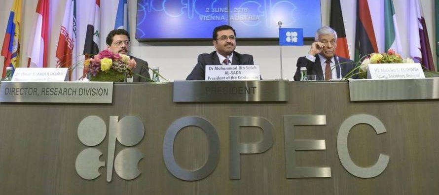 Respecto a la oferta, la producción global de petróleo creció 90,000 barriles...