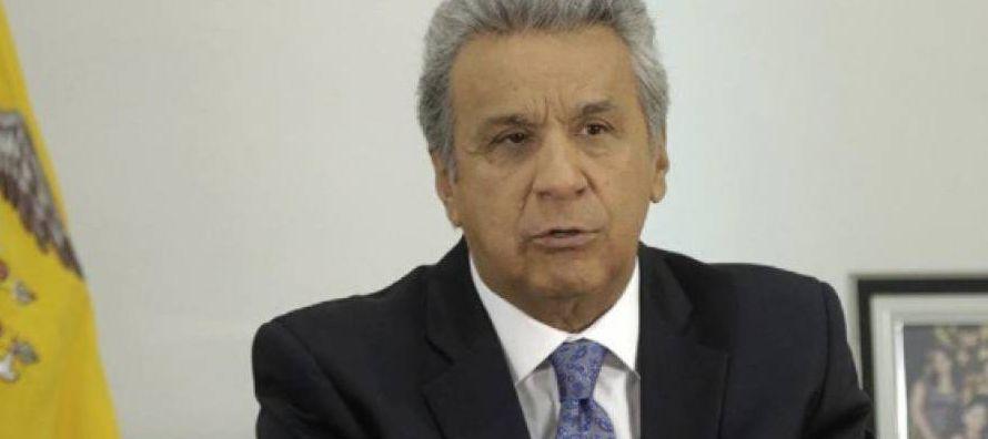"""El plan, según Moreno, dará """"prioridad a las familias ecuatorianas, sobre todo a..."""