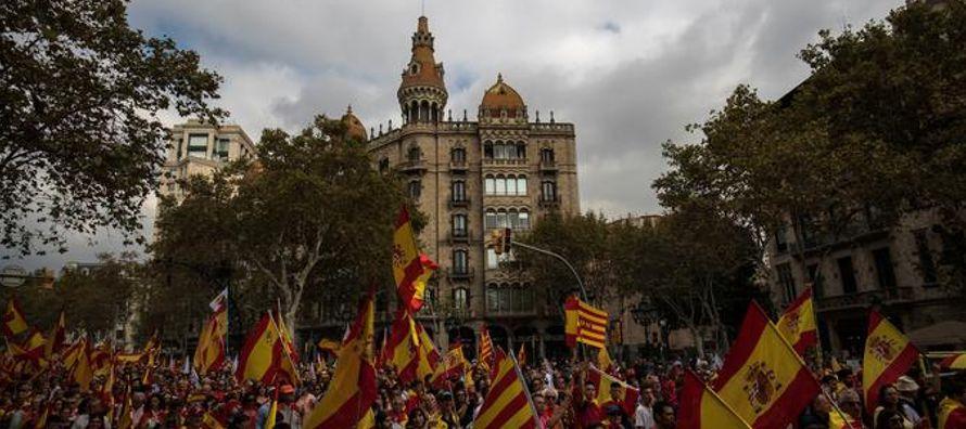 Los intentos secesionistas de Cataluña han empujado a España a su peor crisis...