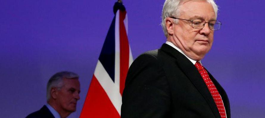 Sin embargo, Barnier dijo en conferencia de prensa que había movimientos en torno a otros...