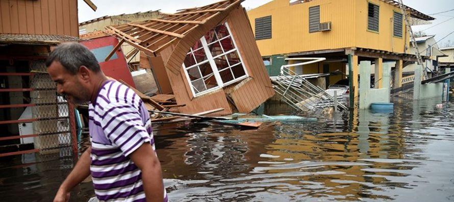 Luego de los dos huracanes que dejó devastada a la isla, Estado Libre Asociado de EU, el...