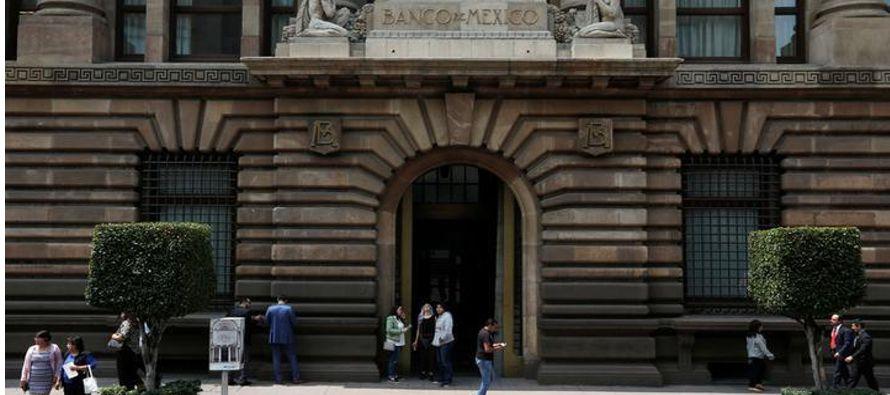 El banco central de México advirtió el jueves que la incertidumbre sobre un resultado...