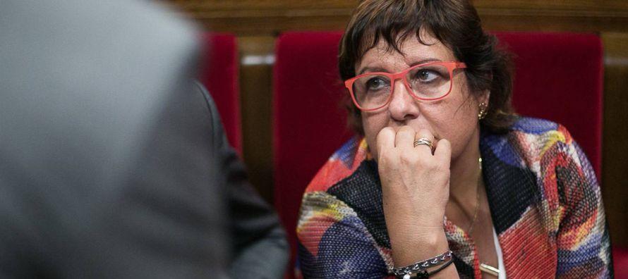 Puigdemont tiene hasta las 10.00 del 16 de octubre para responder al Gobierno si declaró la...
