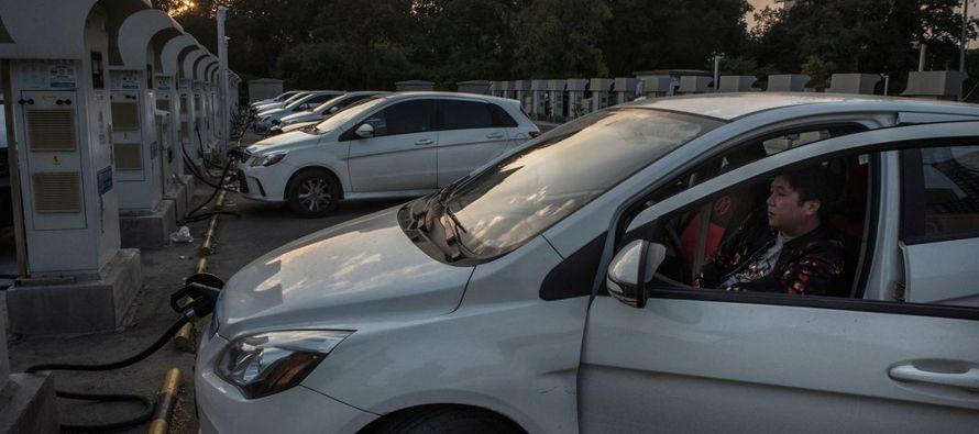 Hay una poderosa razón para que las automotrices de todo el mundo tengan prisa por...