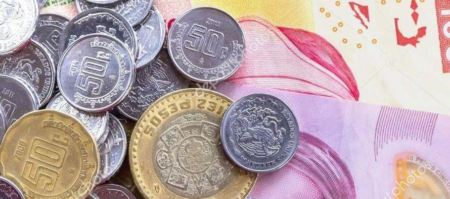El estratega cambiario veía un rango de 18,7 a 19,3 por dólar para la divisa. Por su...