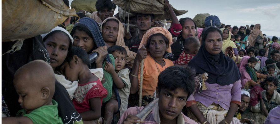 """""""Estamos pidiendo a los responsables en Bangladesh que admitan urgentemente a estos refugiados..."""