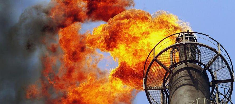 La OPEP se inclina hacia extender su acuerdo con Rusia y otros productores petroleros para reducir...