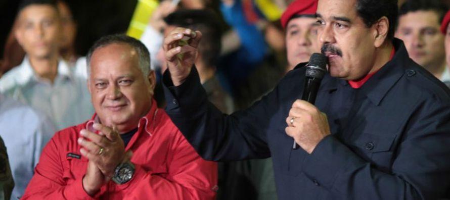 El régimen de Nicolás Maduro ha decretado la muerte civil de Teodoro Petkoff. Un juez...