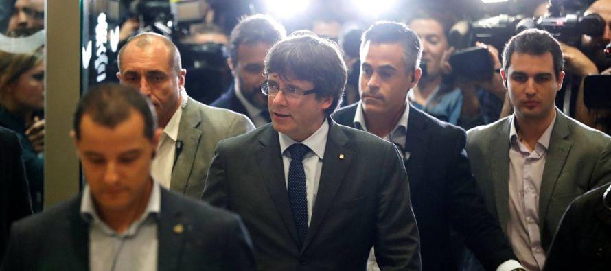 La desconcertada y desconcertante reacción del Gobierno de Mariano Rajoy, mal asesorado en...