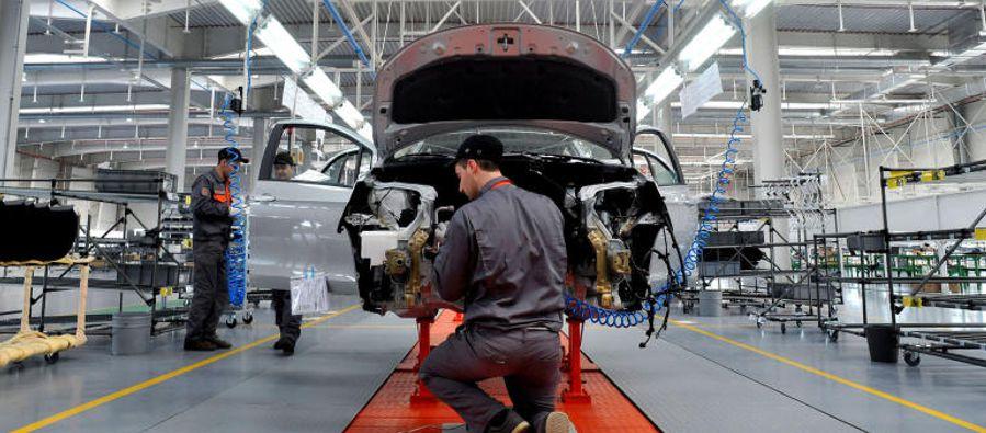 La Asociación Mexicana de la Industria Automotriz (AMIA) rechazó el jueves la...