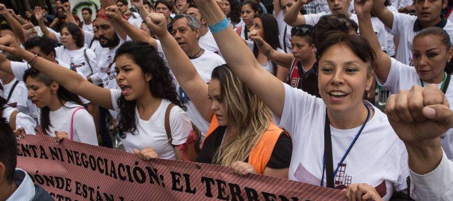 Isabel López acudió a la marcha para protestar porque la delegada de Iztapalapa,...