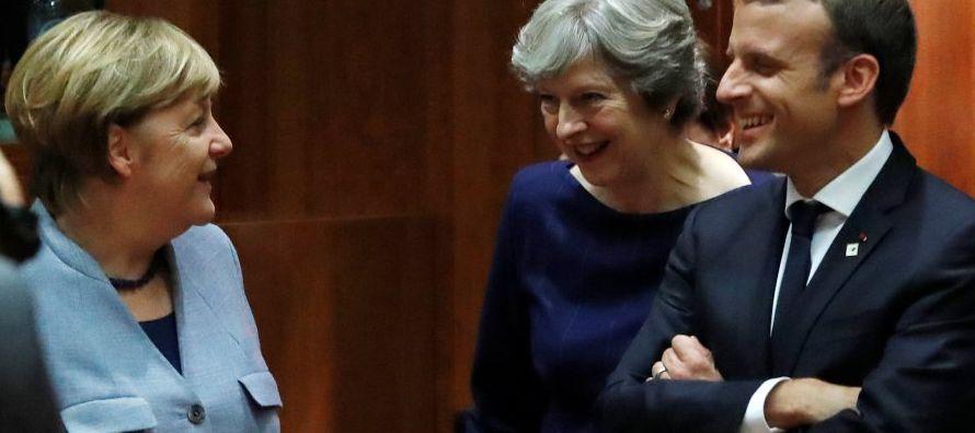 May pidió a los líderes europeos que respondan de una manera similar a sus esfuerzos...