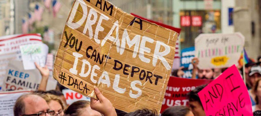 """""""Se trata de proteger a los 'soñadores' originales, nuestros padres y seres..."""