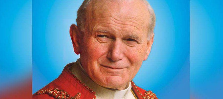 Juan Pablo II está sellada por la identidad y cultura propias de su Polonia natal: una...