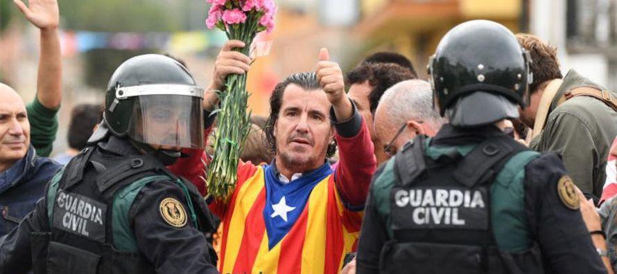 Así, cuando el presidente catalán, Carles Puigdemont, pronunció un ambiguo...