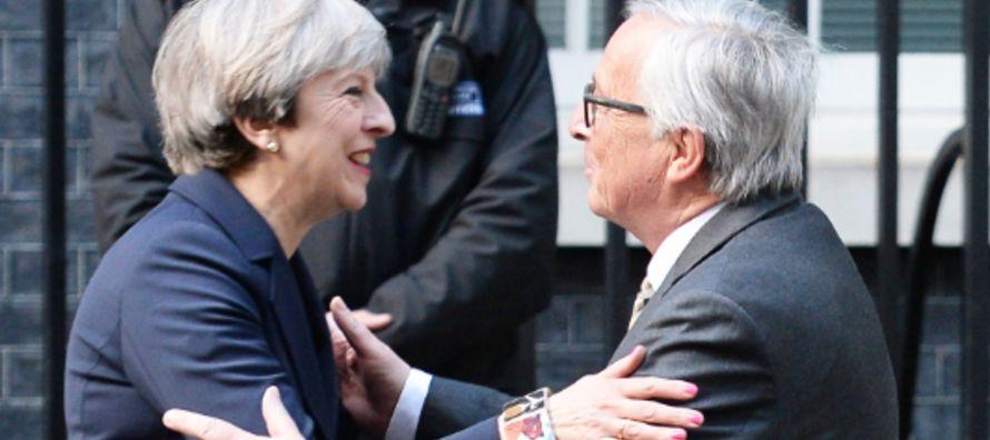 Según el diario alemán Frankfurter Allgemeine Zeitung, May pidió a Juncker su...