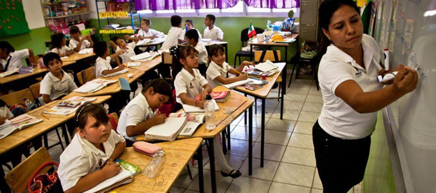 Culpar a los docentes y sancionarlos por la ineficacia de los sistemas educativos puede conducir a...