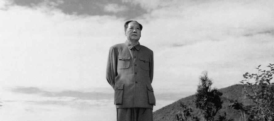 Mao moldeó el comunismo para que se ajustara a sus dos imágenes públicas. En...