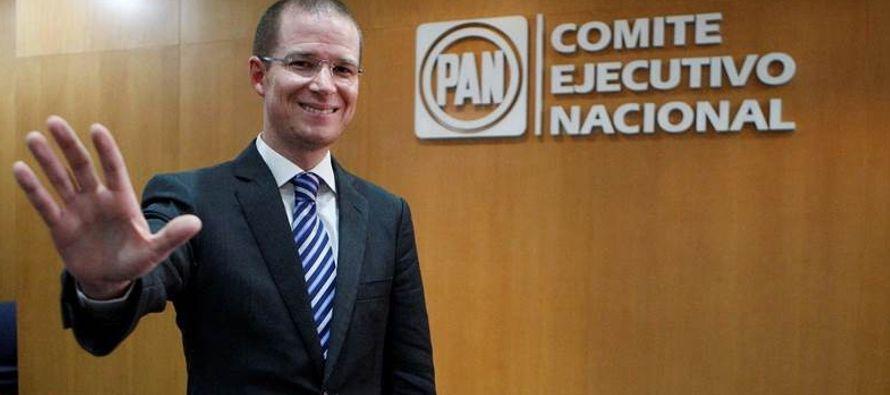 La suma fue entregada por el gobierno de Nuevo León para operar Centros de Desarrollo...