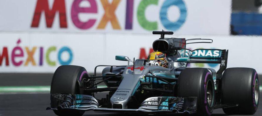 Verstappen largó segundo y dominó la carrera de punta a punta, beneficiado por un...