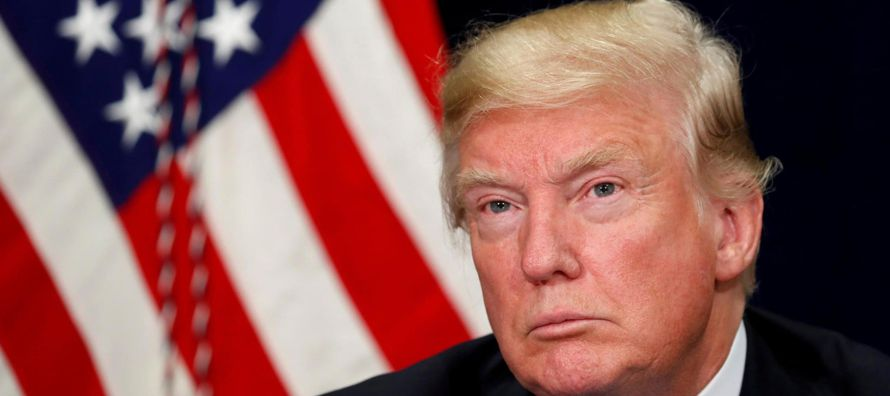 19 de agosto.- Dimite Paul Manafort, jefe de campaña de Trump, tras descubrirse que...