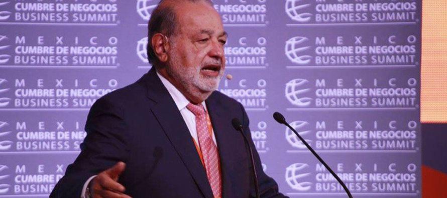 Durante su conferencia magistral en la México Cumbre de Negocios 2017, que se celebró...