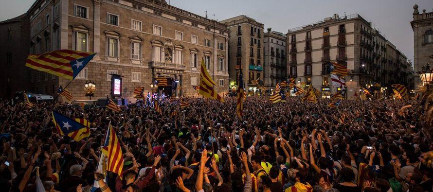 La declaración de independencia del parlamento regional catalán ha llevado al punto...