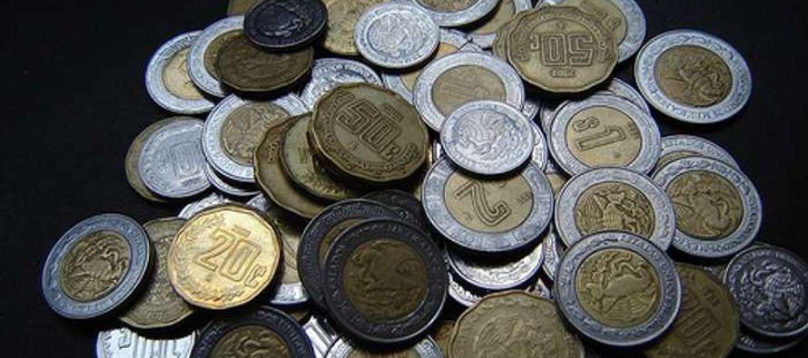 La moneda cerró en 19.1395 por dólar, con un avance del 0.5 por ciento, ó 9.55...