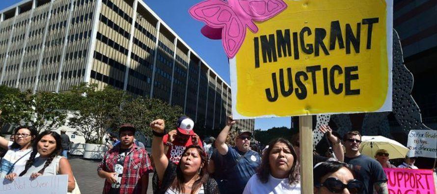 Actualmente viven 439.625 inmigrantes en Estados Unidos amparados por el TPS, según datos...