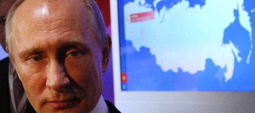 Entre los firmantes de la declaración figuran el checo Pavel Telicka, uno de los...