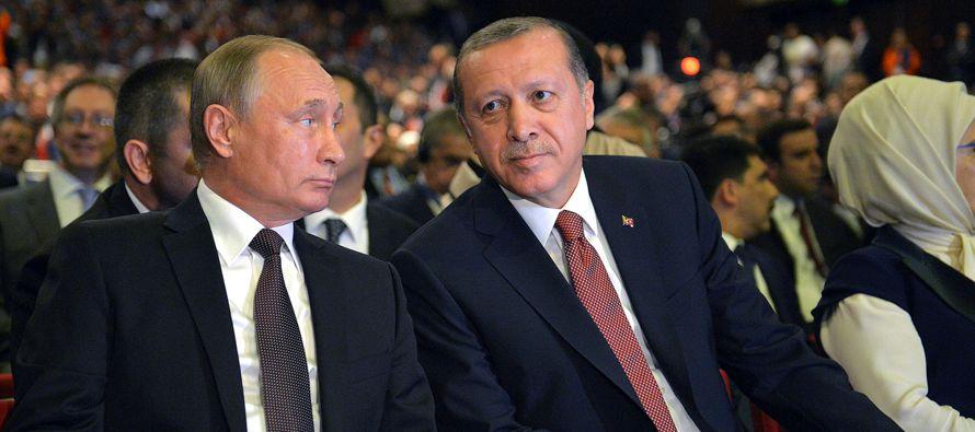 Justo antes de volar a Sochi, Erdogan dijo a la prensa en el aeropuerto de Estambul que la...