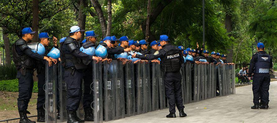 """A los policías """"no les hemos dado la prioridad que se merecen"""", afirmó..."""